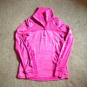 Long sleeved pink workout shit